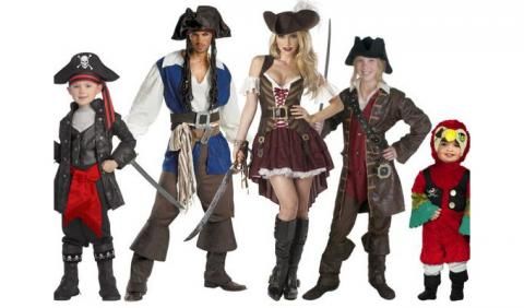 Family of Pirates for Halloween in Nashville