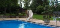 Banzai Bob Pool & Spa