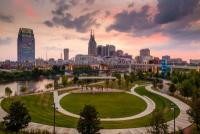 Nashville Scavenger Hunt: Get out and explore with the Let's Roam scavenger hunt app!