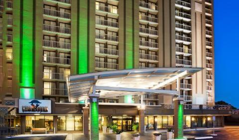 Stay at the Holiday Inn Nashville-Vanderbilt hotel